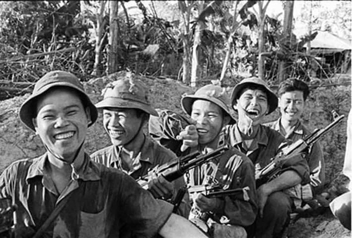 Tran danh ky luc 1 choi 20 cua quan giai phong tren doi Khong Ten-Hinh-14