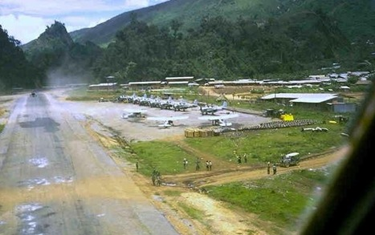 Tran oanh tac khung khiep cua Khong quan Viet Nam tren dat Lao-Hinh-2