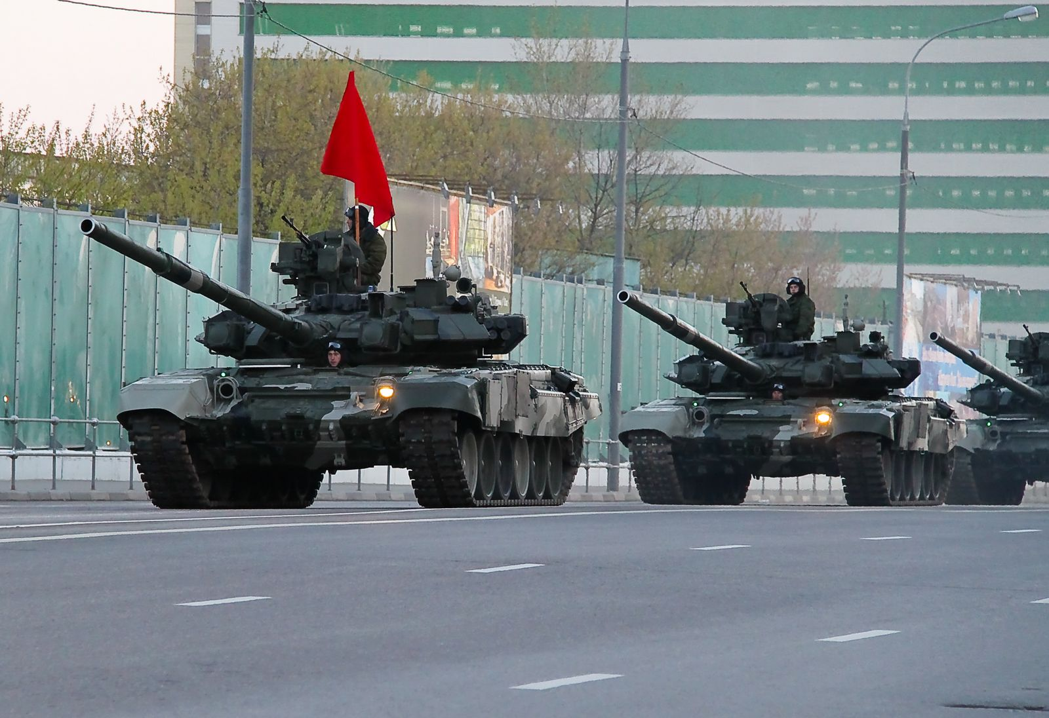 Bat ngo: Phap len tieng benh vu khi Nga, cho rang NATO qua bao thu-Hinh-3