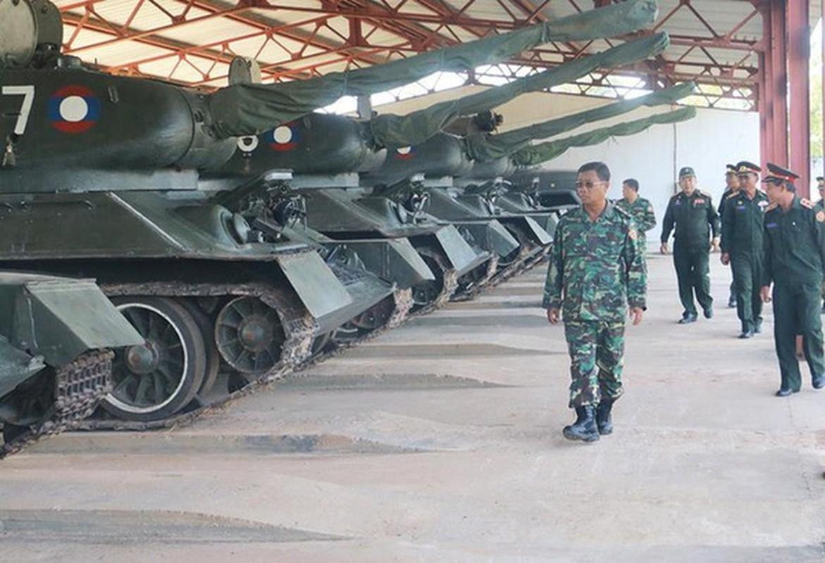 Xe tang T-34 tu Lao chuan bi cho duyet binh o Nga-Hinh-12