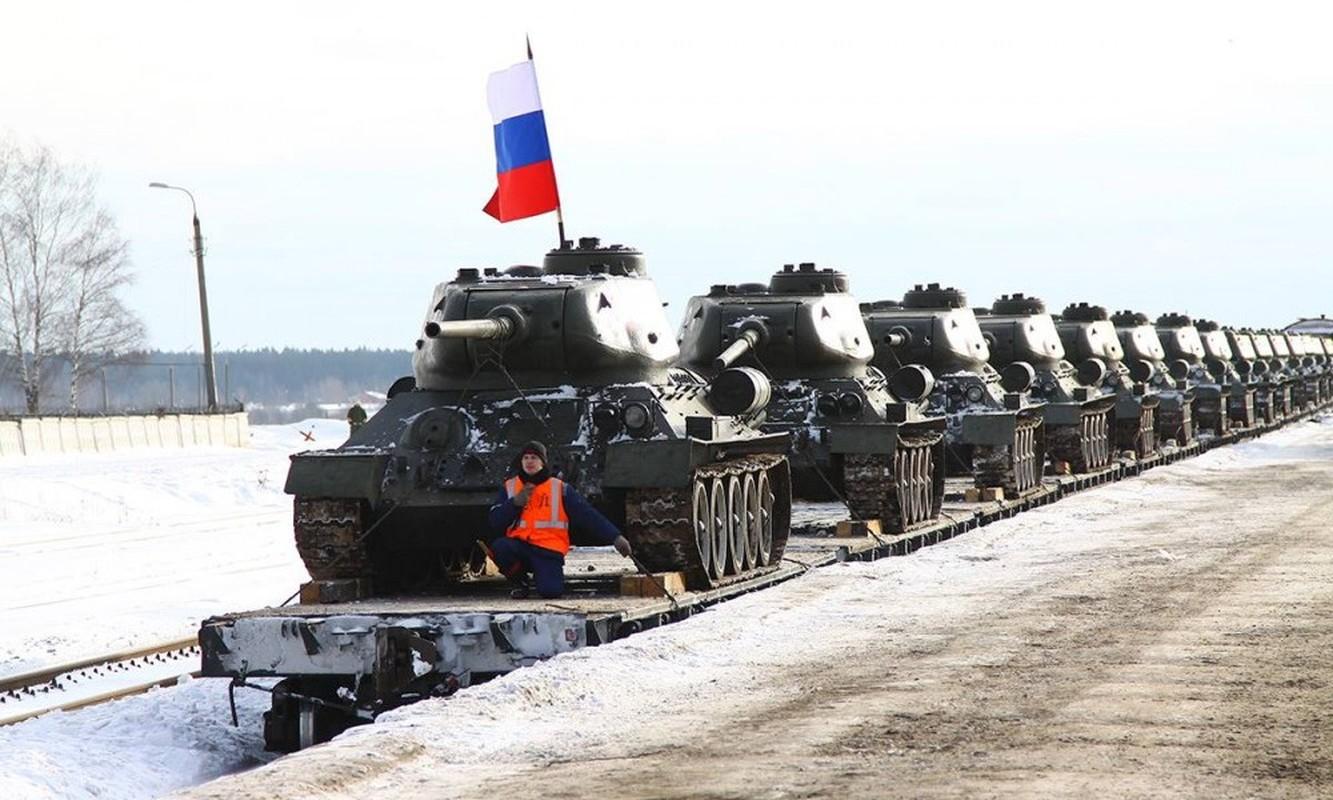 Xe tang T-34 tu Lao chuan bi cho duyet binh o Nga-Hinh-13