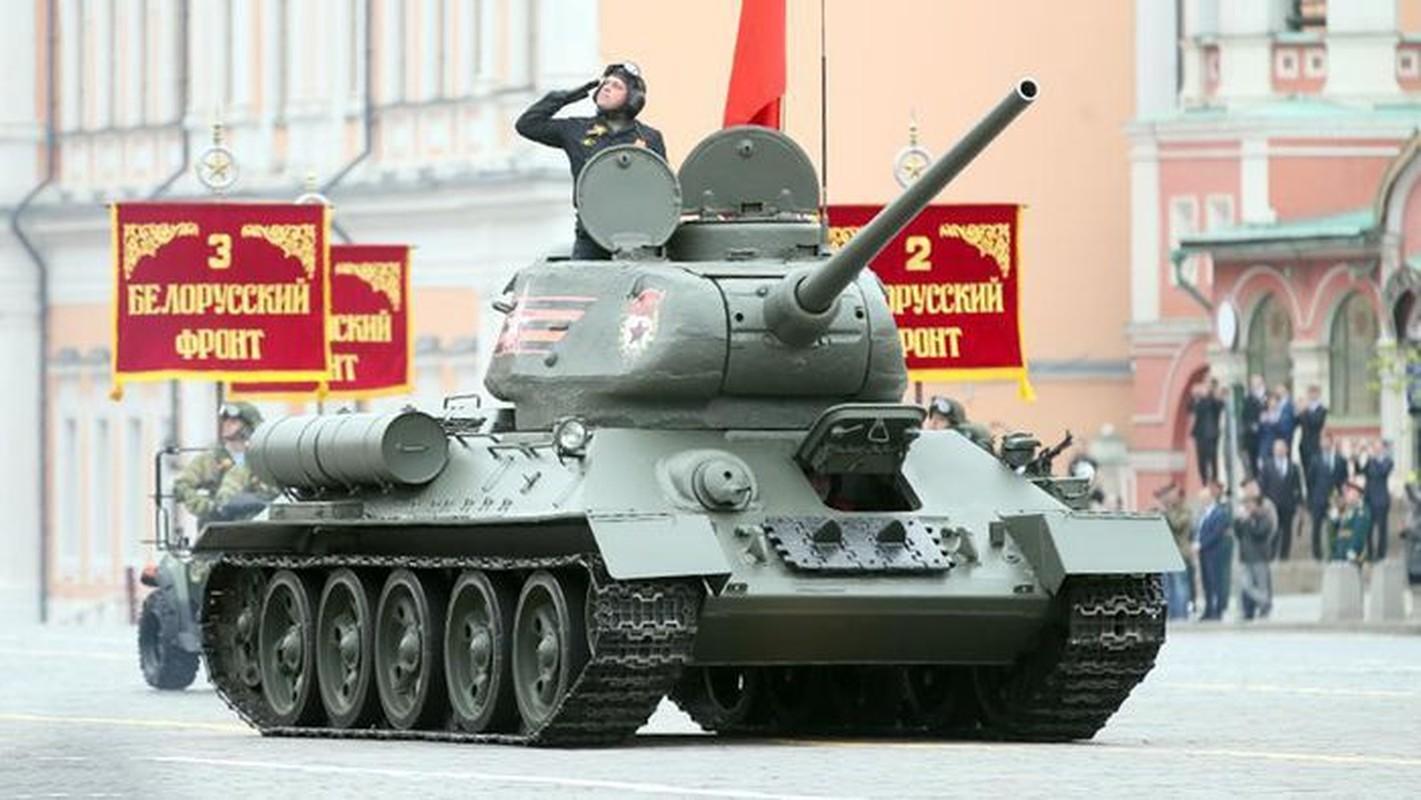 Xe tang T-34 tu Lao chuan bi cho duyet binh o Nga-Hinh-3