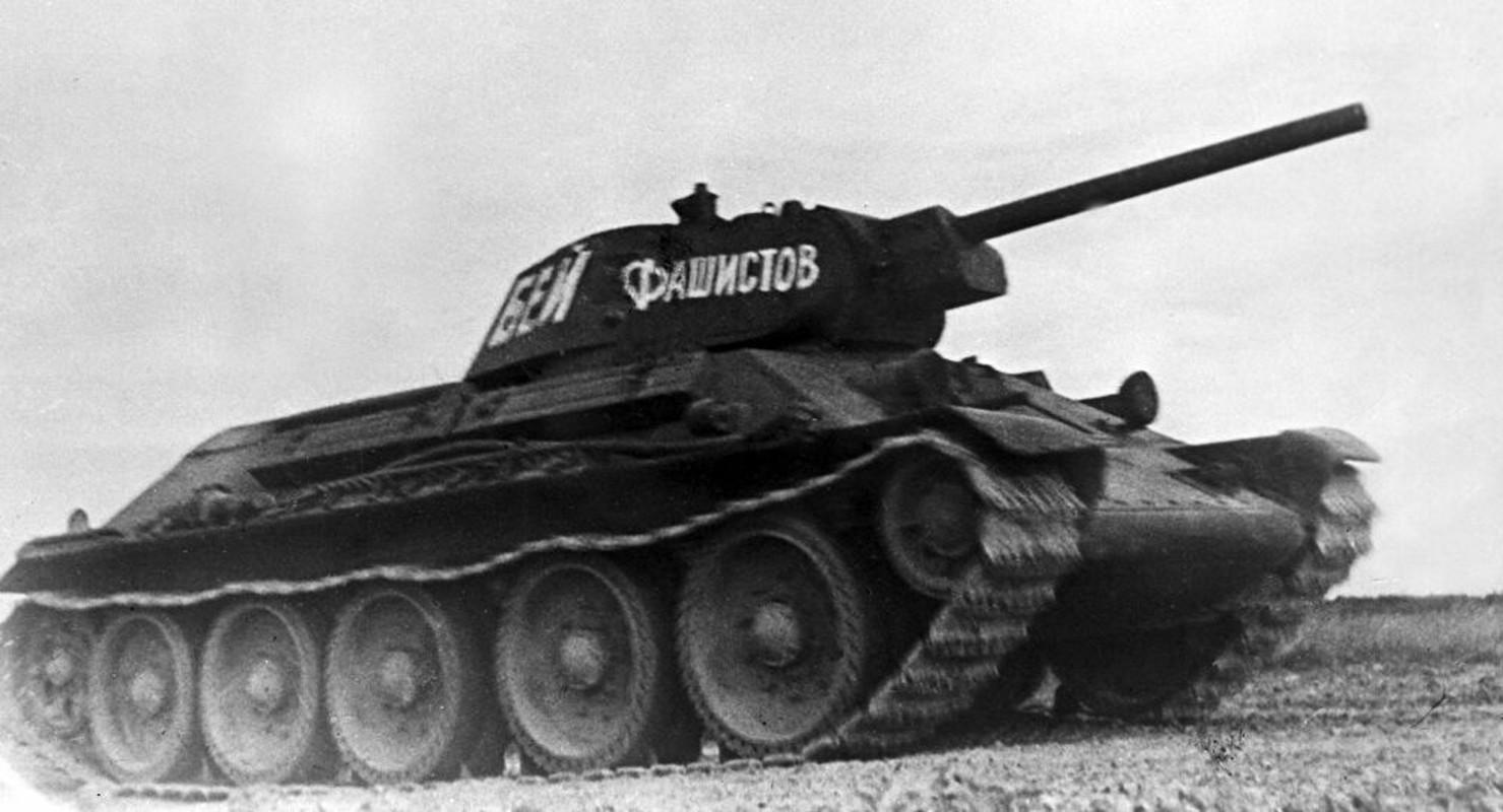 Xe tang T-34 tu Lao chuan bi cho duyet binh o Nga-Hinh-4