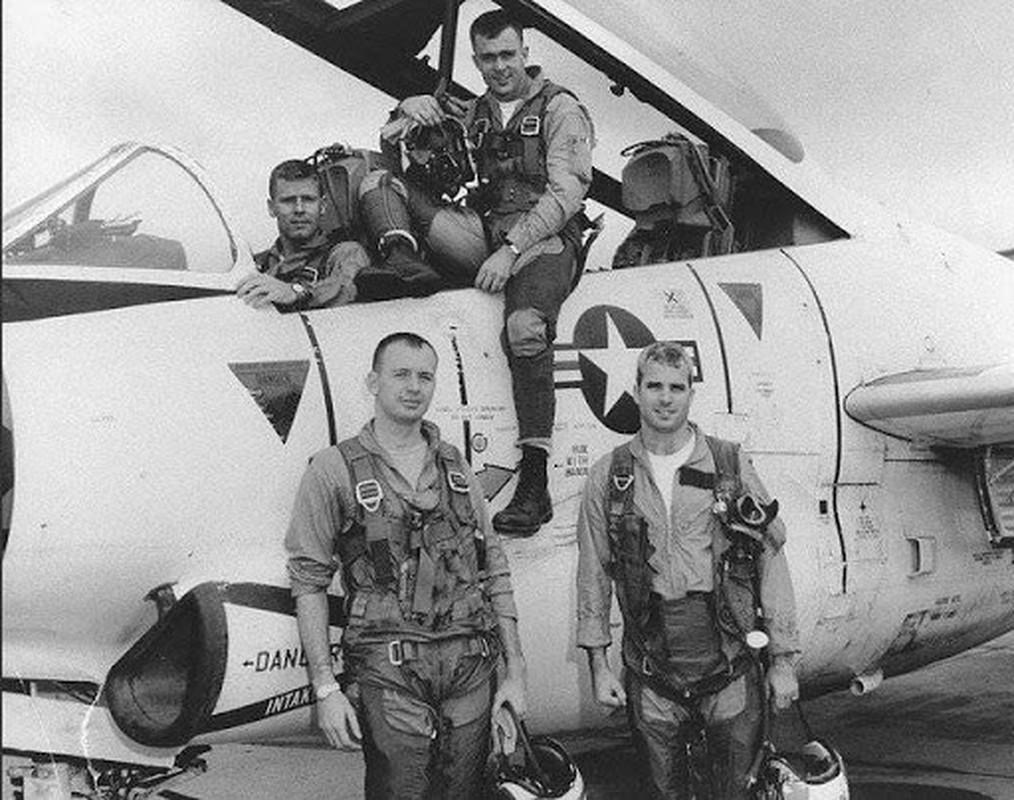 Phi cong 300 gio bay cua Viet Nam ha guc chuyen gia diet MiG-Hinh-11