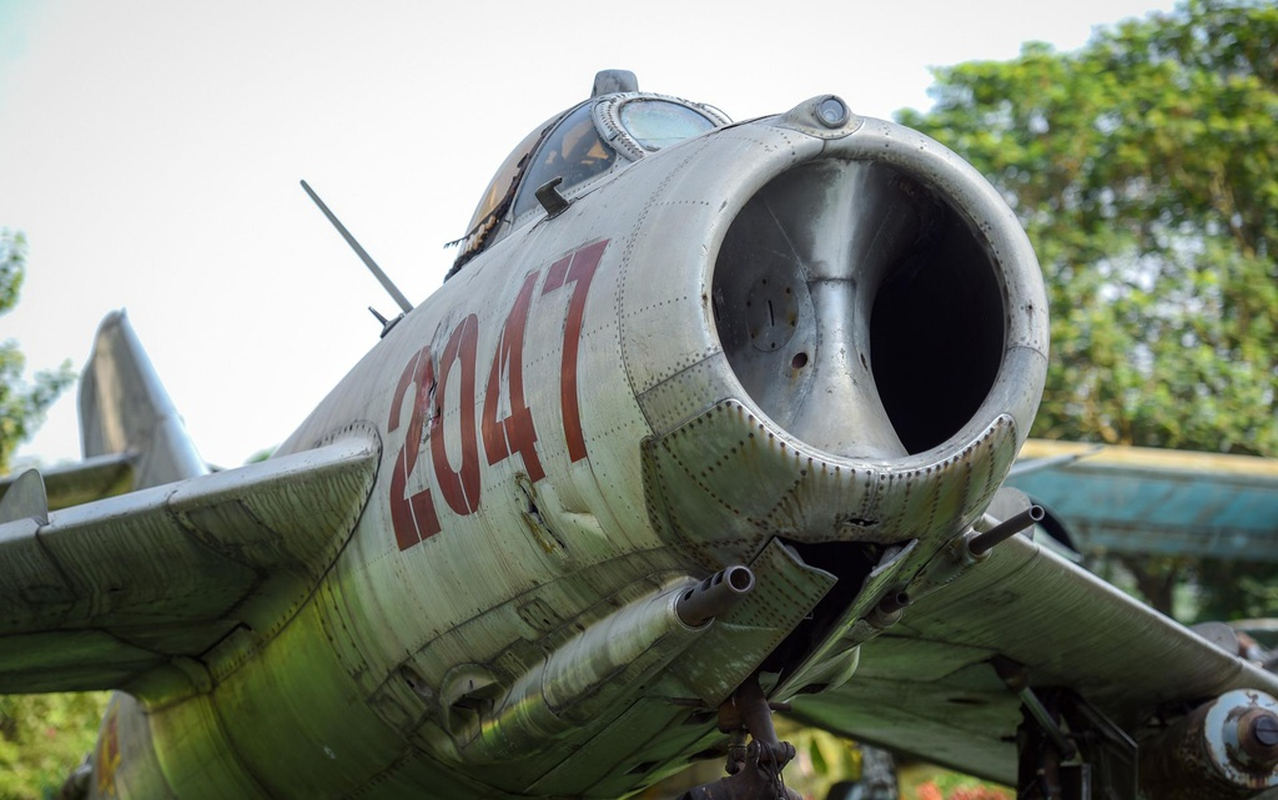 Phi cong 300 gio bay cua Viet Nam ha guc chuyen gia diet MiG-Hinh-8