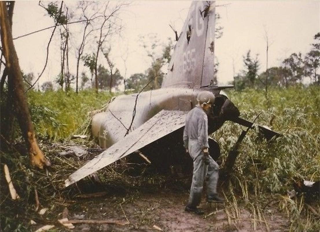 Phi cong 300 gio bay cua Viet Nam ha guc chuyen gia diet MiG-Hinh-9