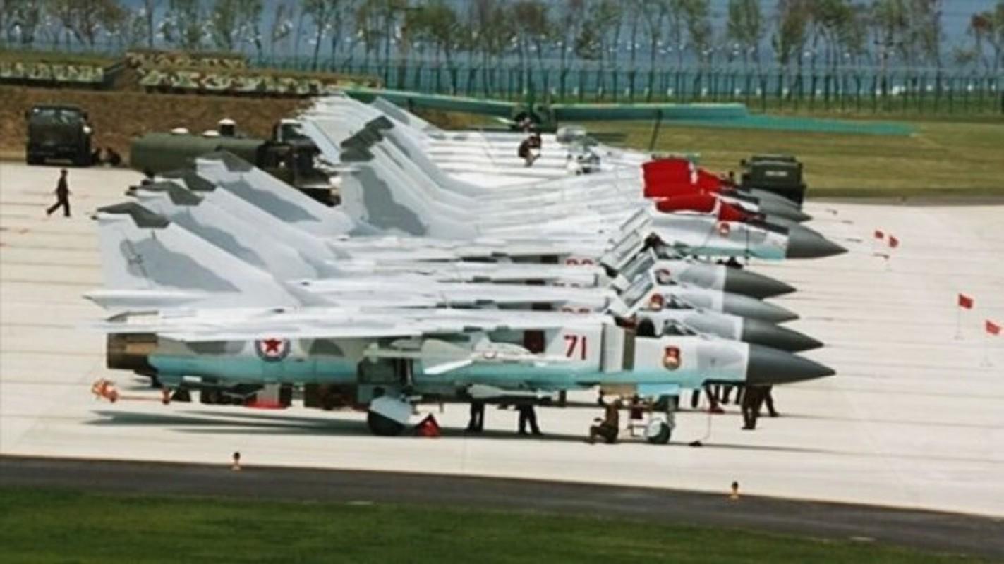 MiG-23 cua Trieu Tien doi dau F-16 Han Quoc - Ai se thang?-Hinh-13