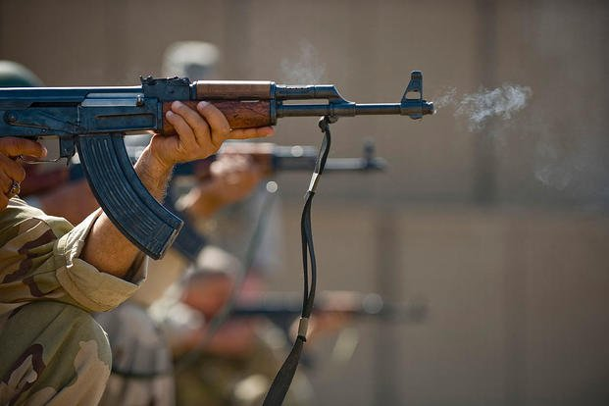 Sung bo binh vi dai nhat lich su AK-47 can moc 100 trieu khau-Hinh-10