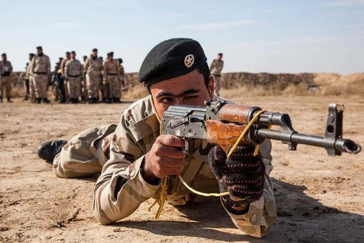 Sung bo binh vi dai nhat lich su AK-47 can moc 100 trieu khau-Hinh-9