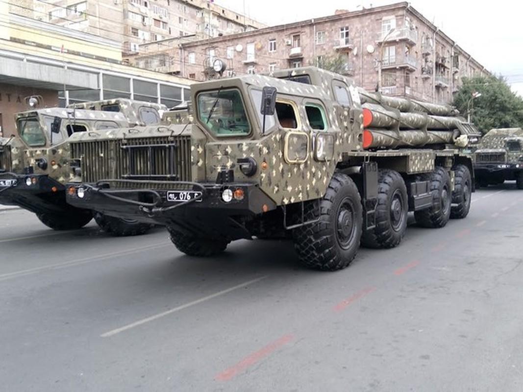 Ukraine keo vu khi khung toi sat Crimea khien Moscow