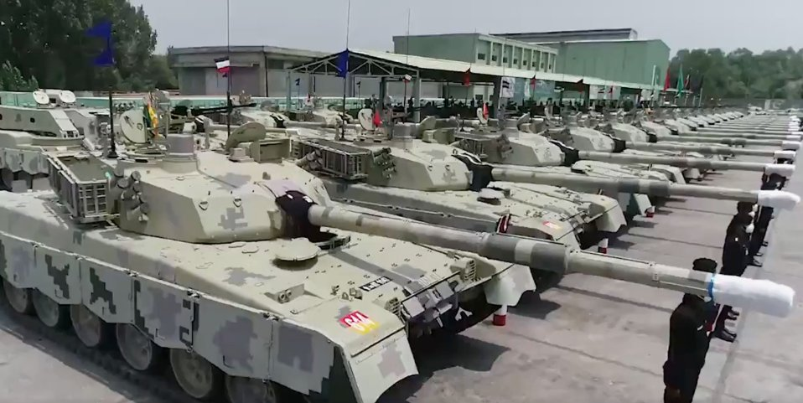 """Xe tang """"nha trong"""" Arjun MK-1A  cua An Do co ap dao duoc Pakistan?-Hinh-13"""