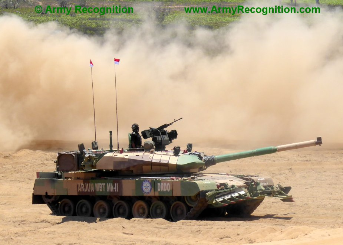 """Xe tang """"nha trong"""" Arjun MK-1A  cua An Do co ap dao duoc Pakistan?-Hinh-2"""