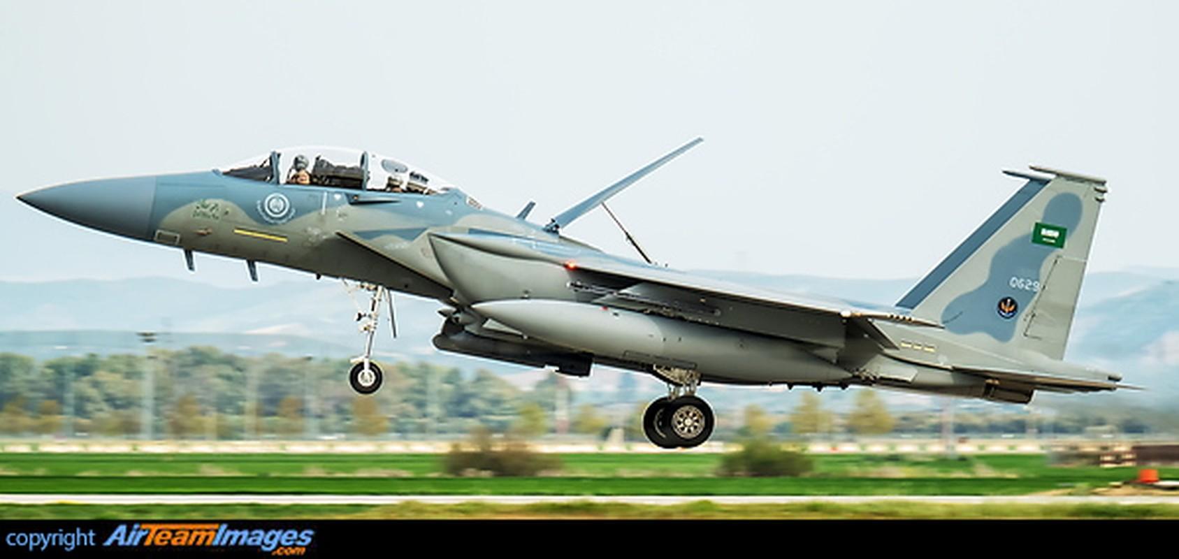 My mua tiem kich F-15EX voi gia