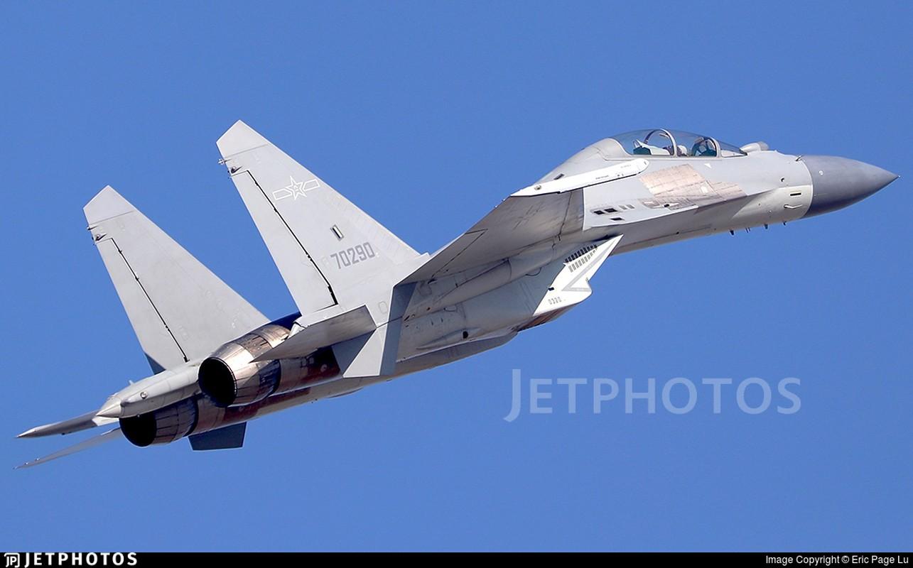 Noi tiem kich J-16 vuot troi voi Su-30MKI va Su-35 la