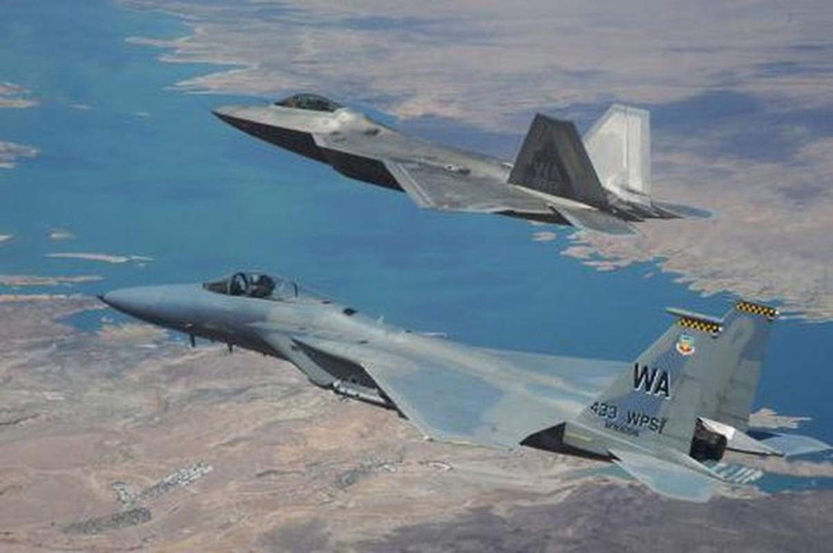 Tiem kich Su-27 va F-15 doi dau, dau la ke vo dich?-Hinh-3