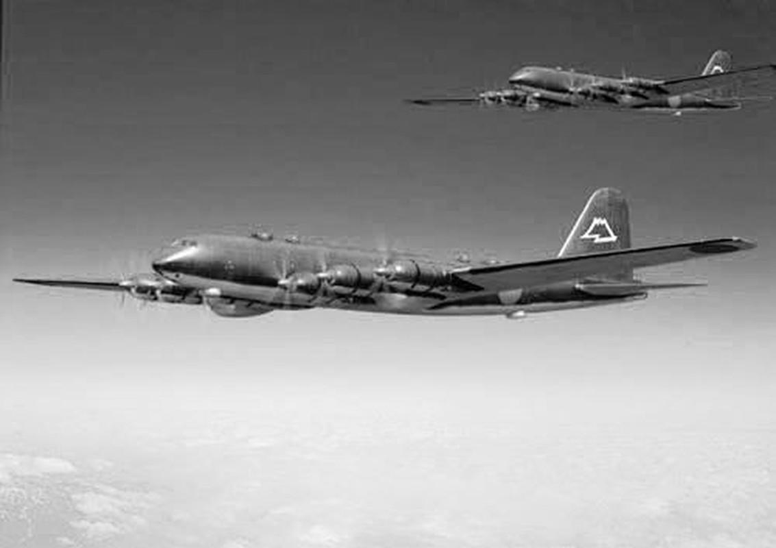 Nhat tung thiet ke may bay nem bom bay duoc nua vong Trai Dat-Hinh-13
