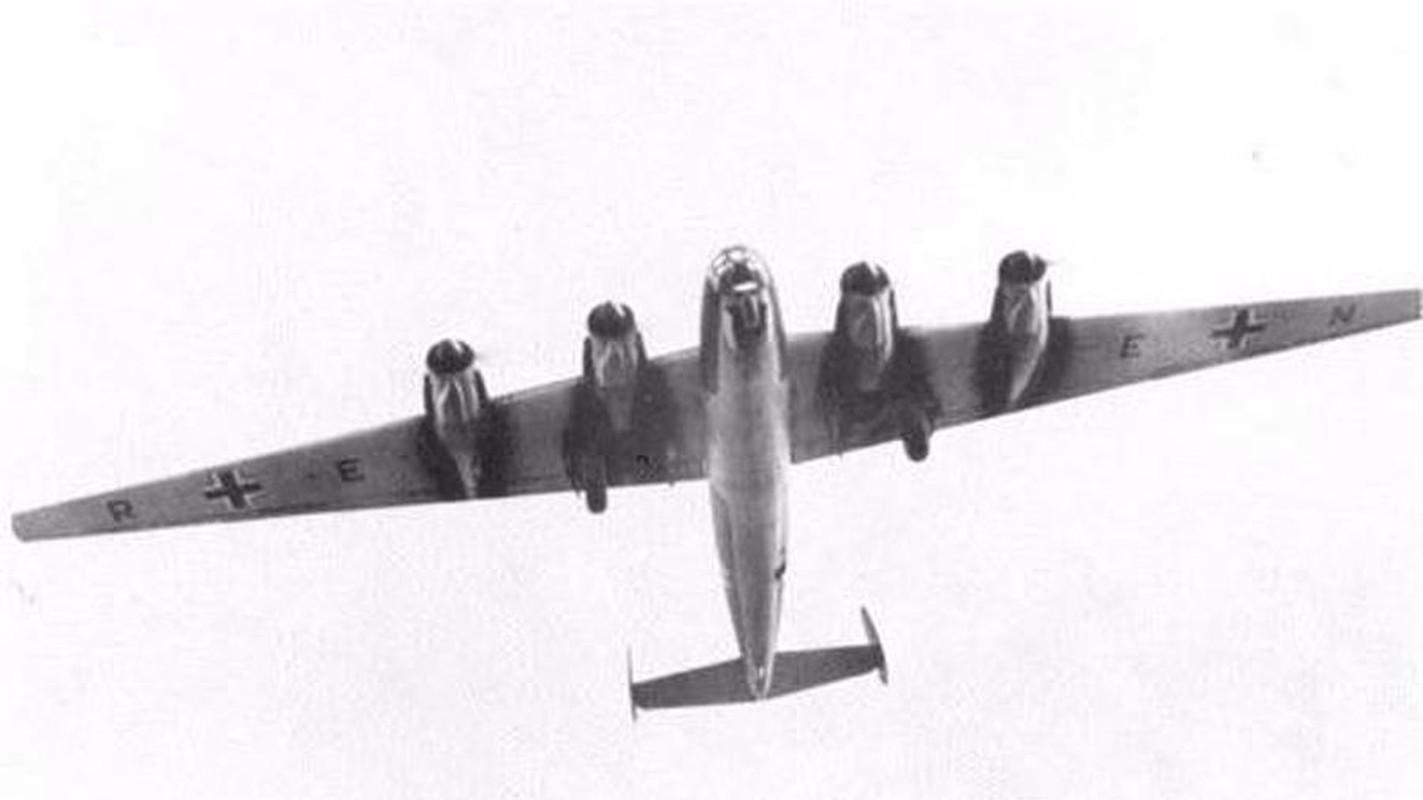 Nhat tung thiet ke may bay nem bom bay duoc nua vong Trai Dat-Hinh-15