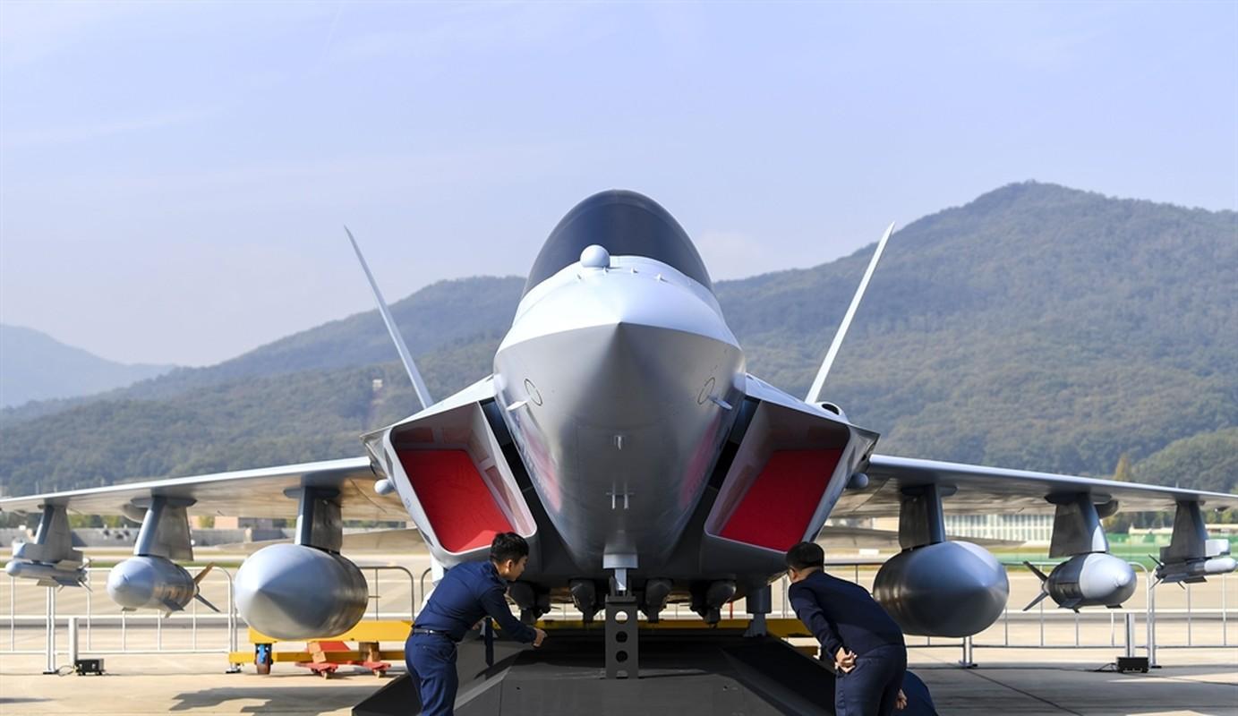 Han Quoc ra mat tiem kich noi dia, manh ngang chien dau co F-35-Hinh-13