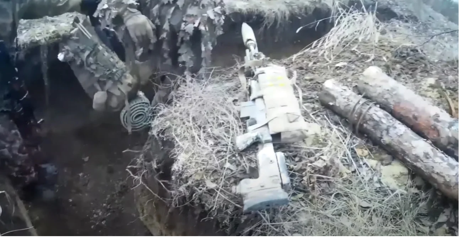 Linh Ukranie khong so xe tang Nga, ma so nhat linh ban tia-Hinh-11