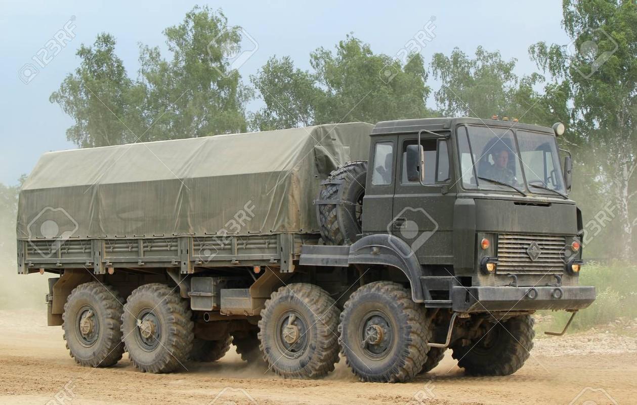 Ukraine muon mua UAV Tho Nhi Ky, Moscow them quan toi bien gioi-Hinh-10