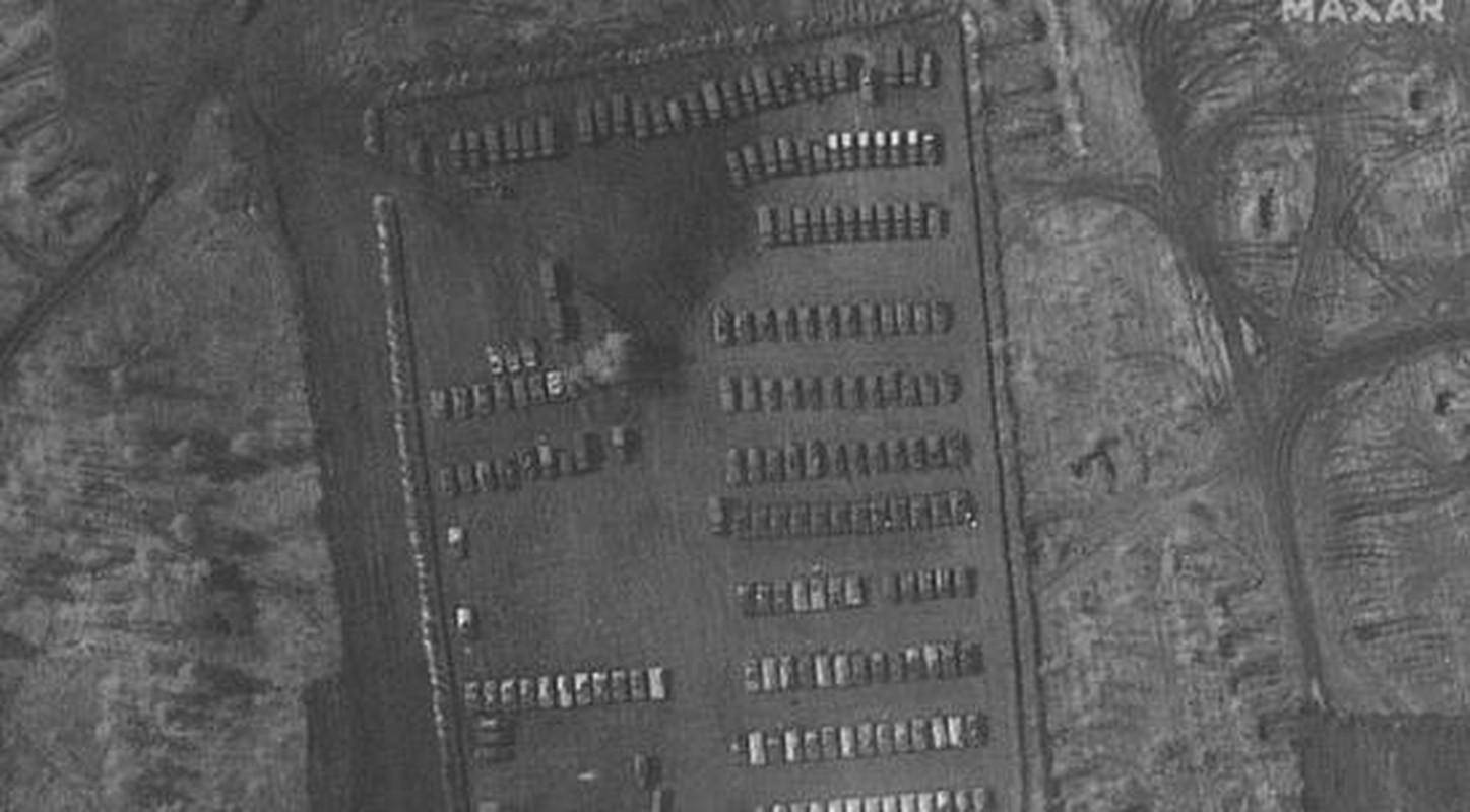 Ukraine muon mua UAV Tho Nhi Ky, Moscow them quan toi bien gioi-Hinh-6