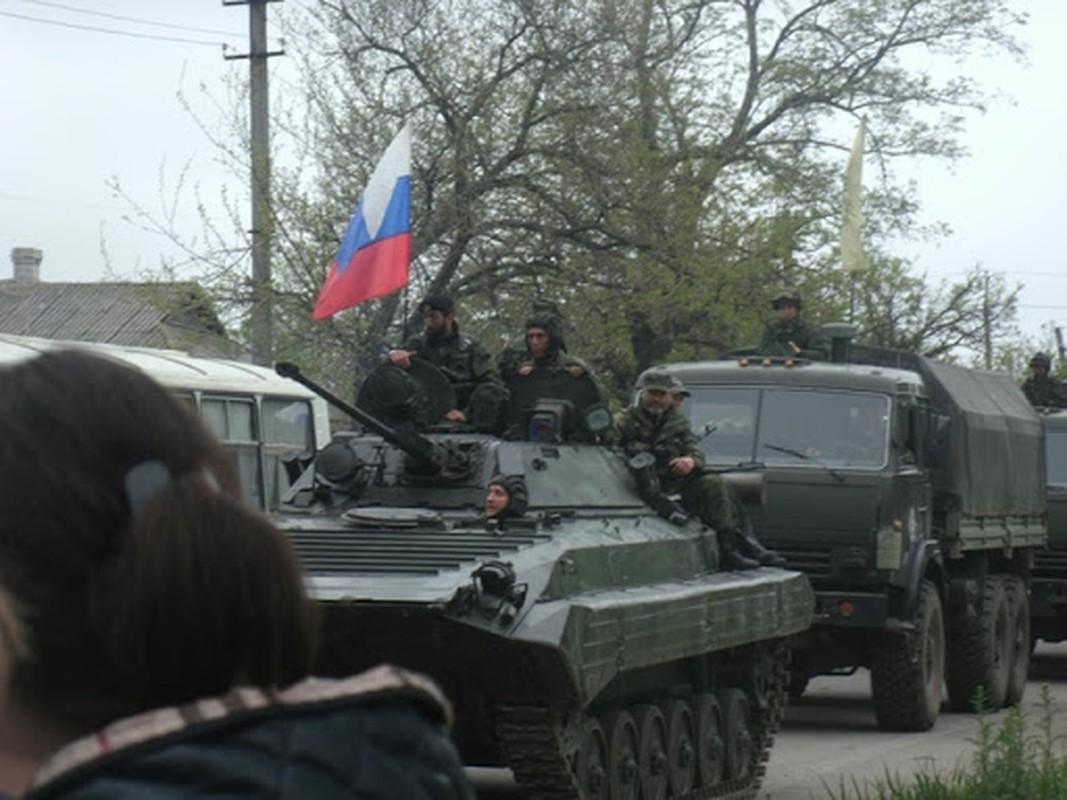 Ukraine muon mua UAV Tho Nhi Ky, Moscow them quan toi bien gioi-Hinh-8