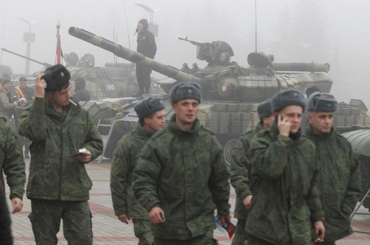 Ukraine muon mua UAV Tho Nhi Ky, Moscow them quan toi bien gioi-Hinh-9