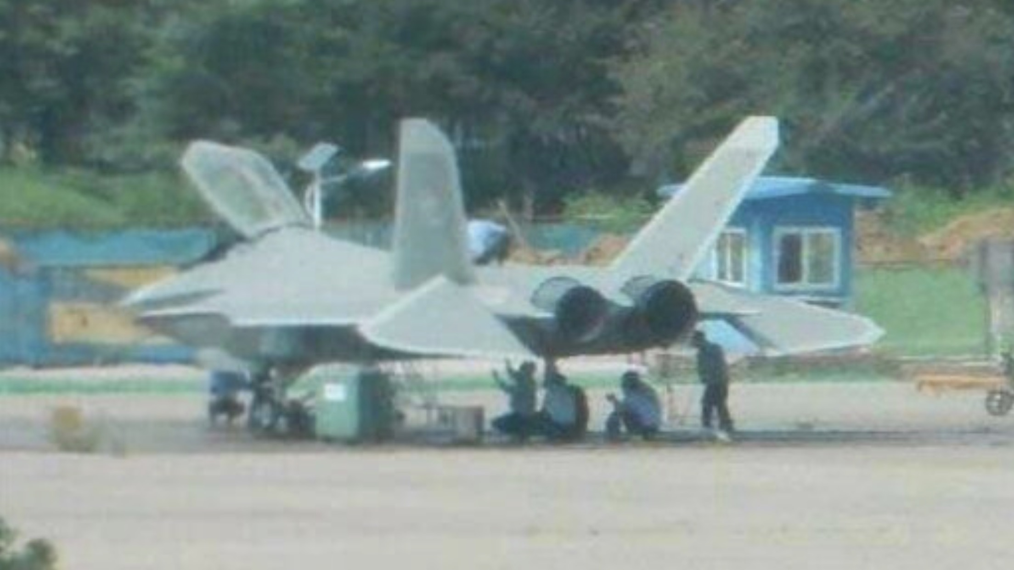 Tiem kich FC-31 cua Trung Quoc co tuong lai khong the mit mu hon-Hinh-8