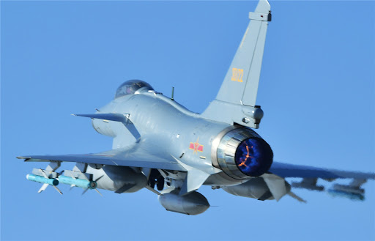 Trung Quoc khoe J-11 khien Nga phai hoi han vi trot ban Su-27-Hinh-12