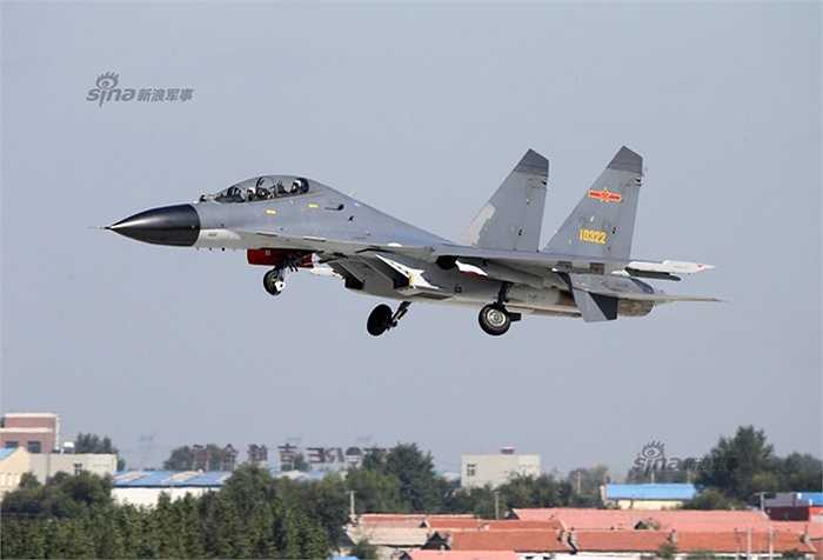 Trung Quoc khoe J-11 khien Nga phai hoi han vi trot ban Su-27-Hinh-9