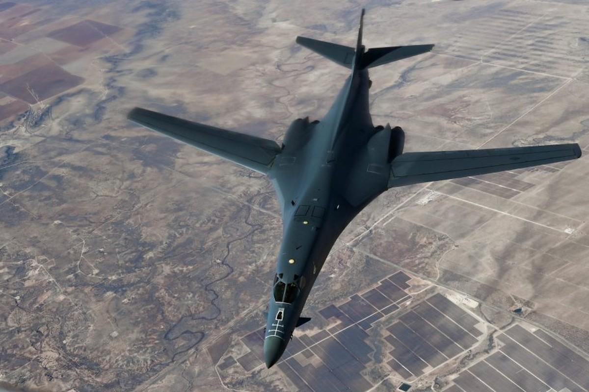 Khong phai B-2, B-1B Lancer moi la doi trong cua My voi Tu-160-Hinh-16