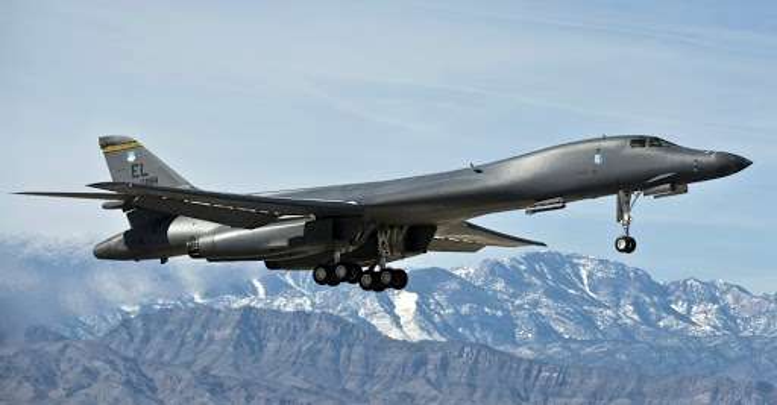 Khong phai B-2, B-1B Lancer moi la doi trong cua My voi Tu-160-Hinh-2