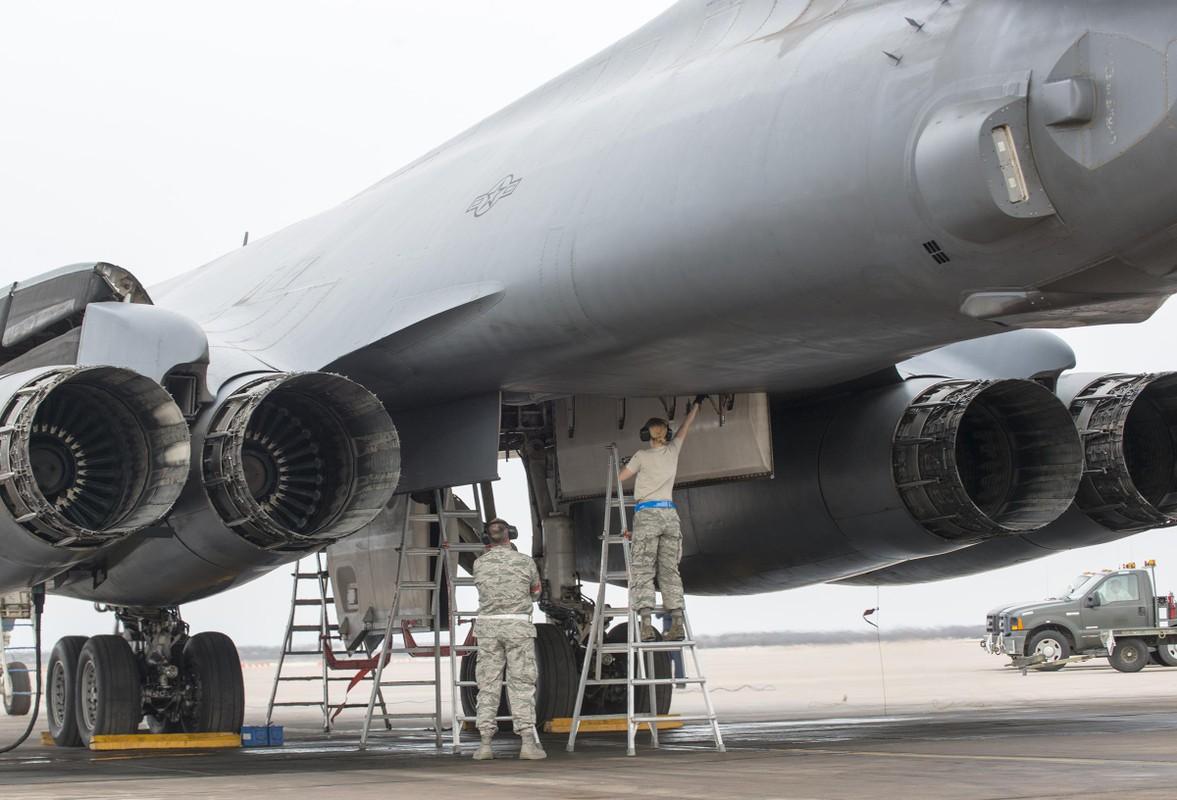 Khong phai B-2, B-1B Lancer moi la doi trong cua My voi Tu-160-Hinh-6
