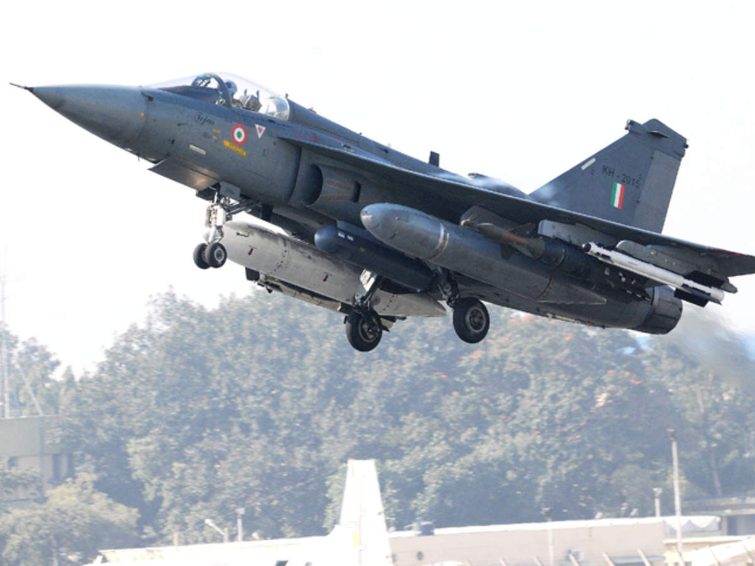 Ly do Malaysia lua chon may bay Pakistan, quay lung voi An Do-Hinh-11