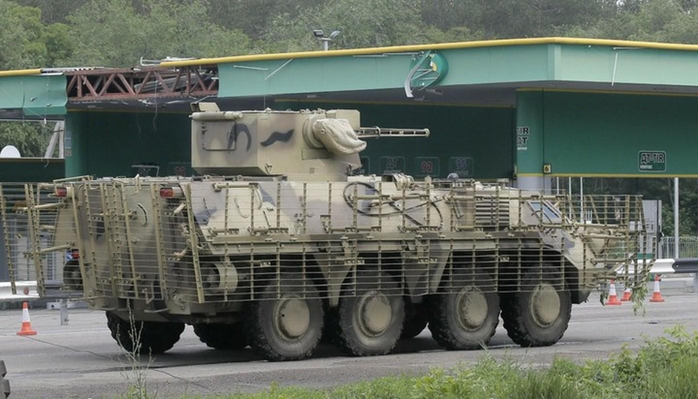 Xe boc thep BTR-3 Ukraine san xuat chay thanh than sau phuc kich-Hinh-11