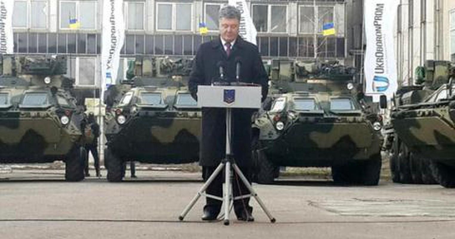 Xe boc thep BTR-3 Ukraine san xuat chay thanh than sau phuc kich-Hinh-13