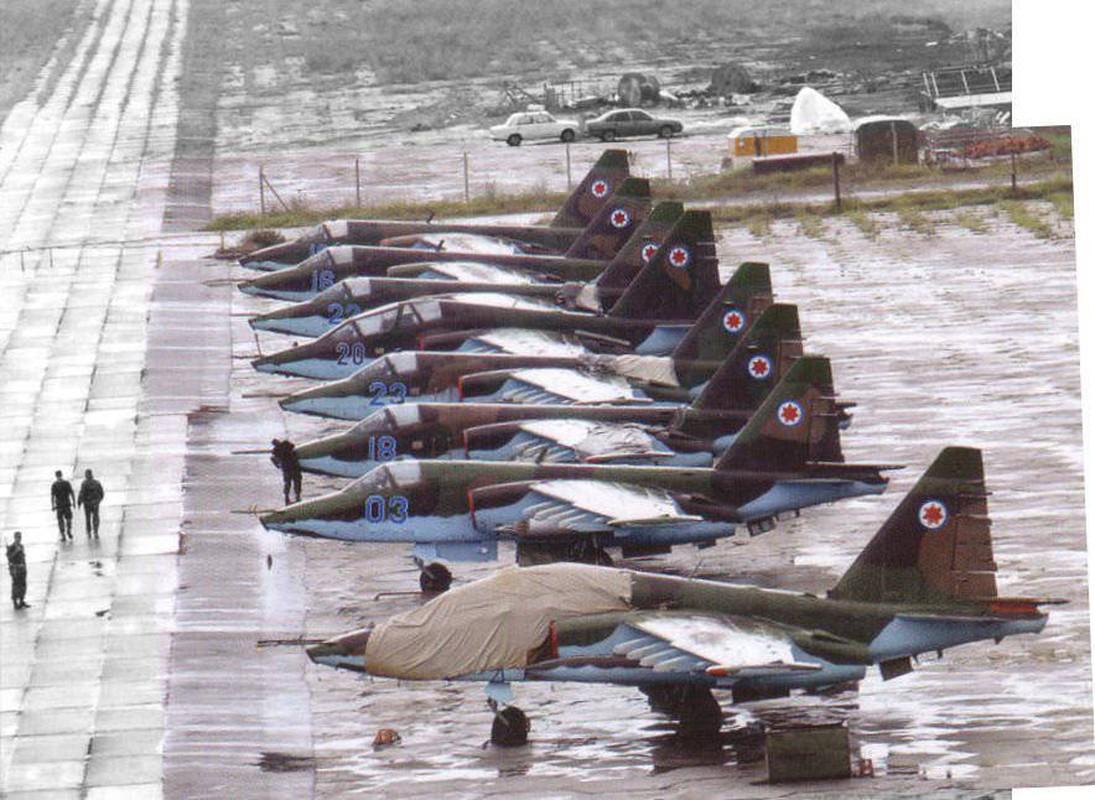 """Xem Israel do """"xe tang bay"""" Su-25KM cho Gruzia de chong lai Nga-Hinh-18"""