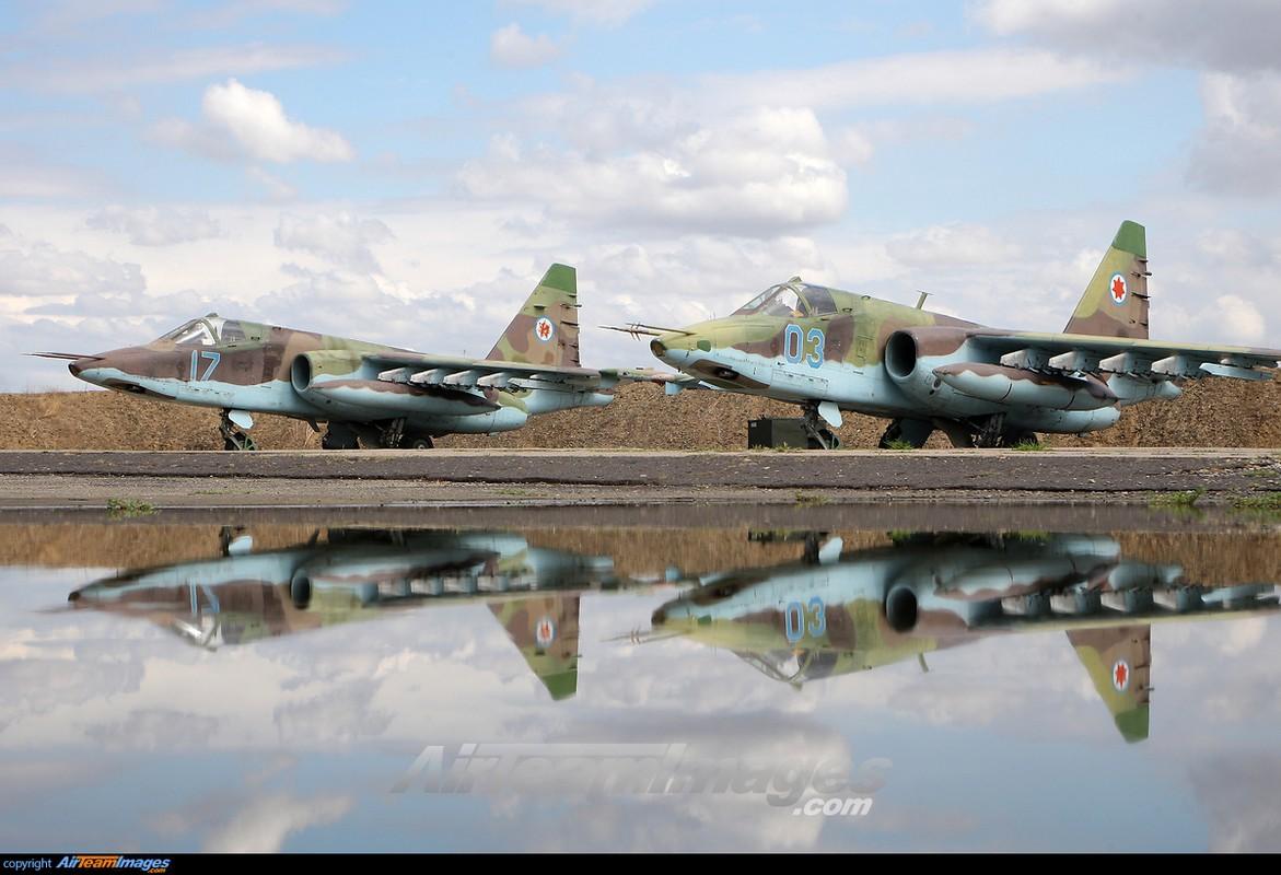 """Xem Israel do """"xe tang bay"""" Su-25KM cho Gruzia de chong lai Nga-Hinh-6"""