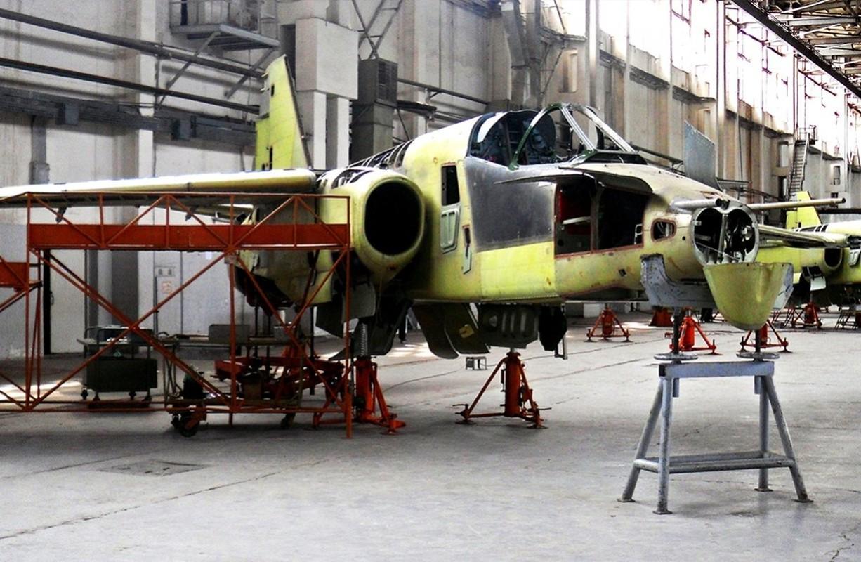 """Xem Israel do """"xe tang bay"""" Su-25KM cho Gruzia de chong lai Nga-Hinh-8"""