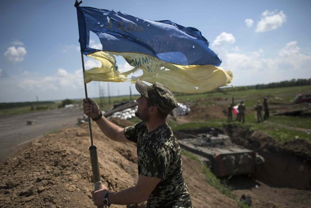 Chuyen gia Ba Lan: Nga hay coi chung suc manh cua quan doi Ukraine