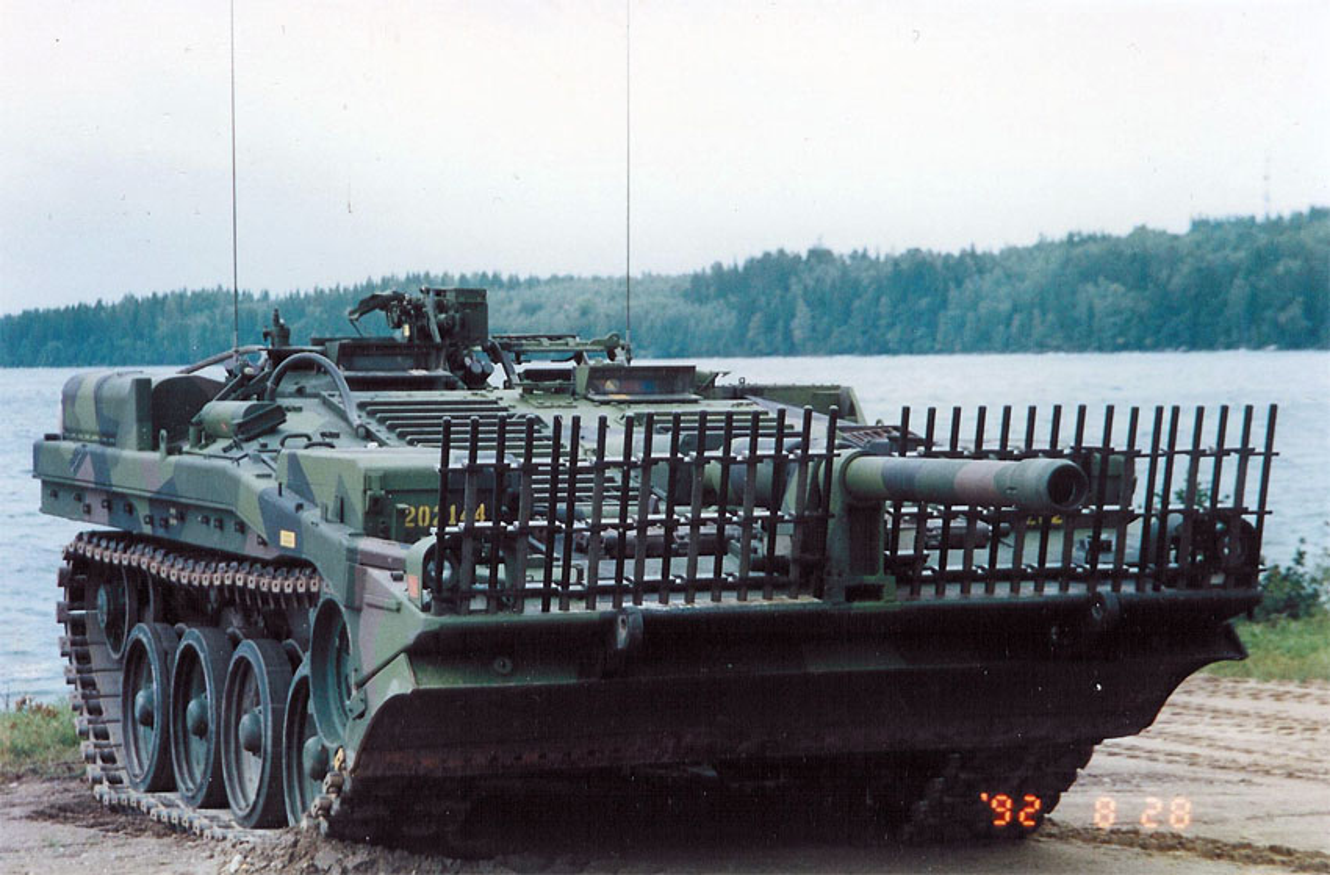 "Stridsvagn 103: Xe tang ""di"" khong thap phao, chay lui nhanh nhu chay tien-Hinh-10"