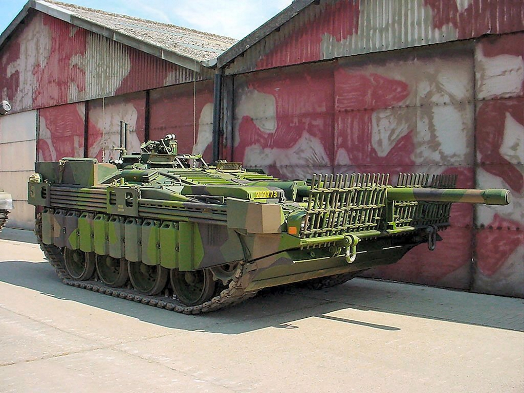 "Stridsvagn 103: Xe tang ""di"" khong thap phao, chay lui nhanh nhu chay tien-Hinh-11"