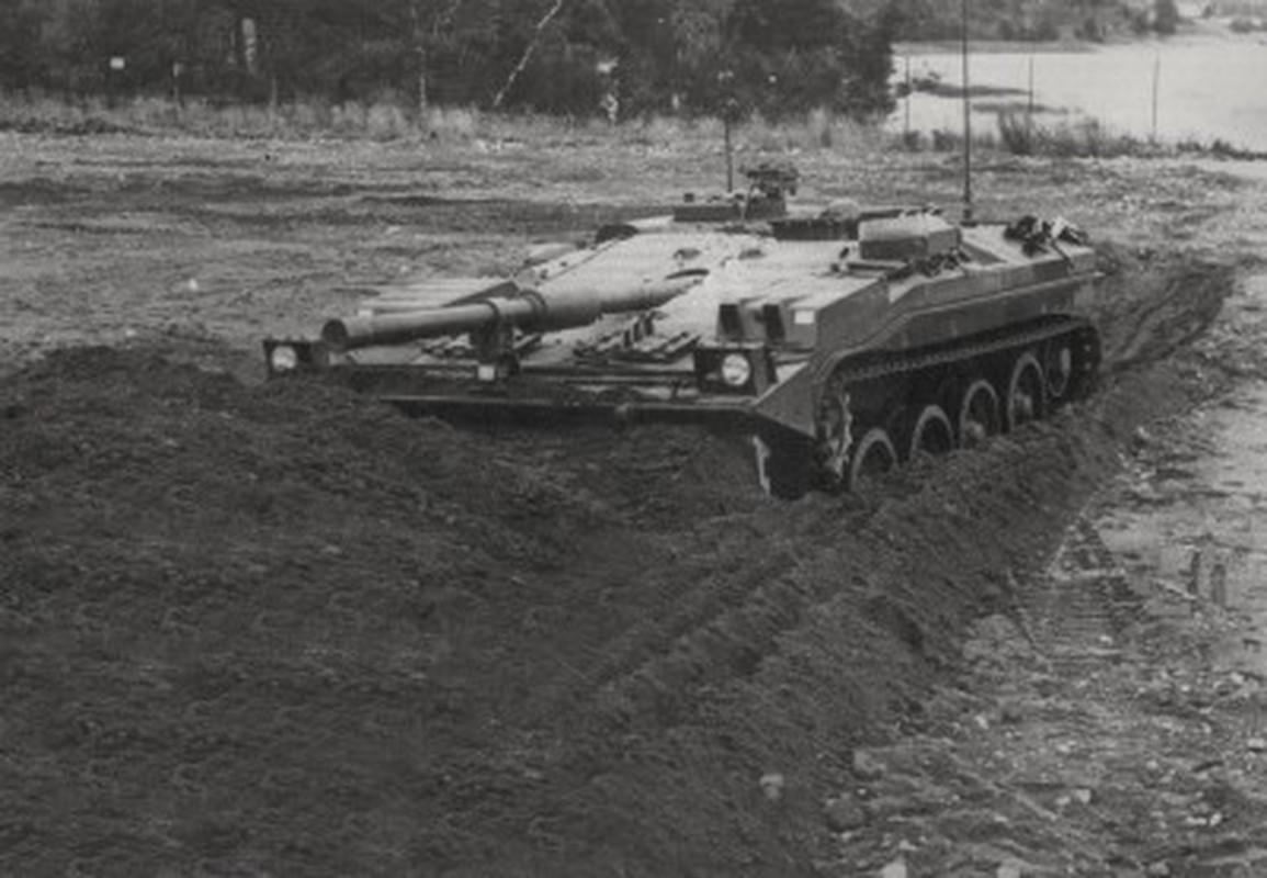 "Stridsvagn 103: Xe tang ""di"" khong thap phao, chay lui nhanh nhu chay tien-Hinh-13"