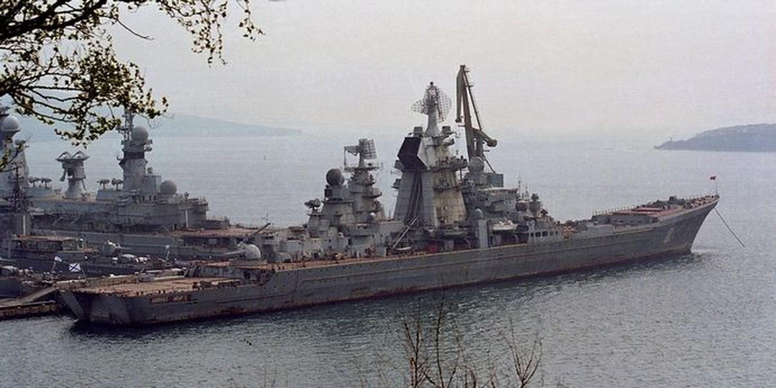 Type 055 Trung Quoc va Zumwalt My chao thua tau chien khung cua Nga-Hinh-2