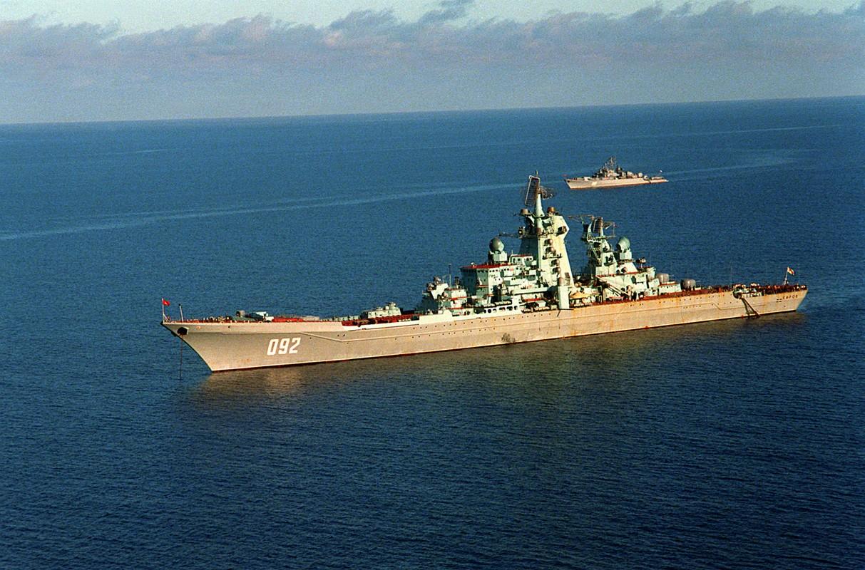 Type 055 Trung Quoc va Zumwalt My chao thua tau chien khung cua Nga