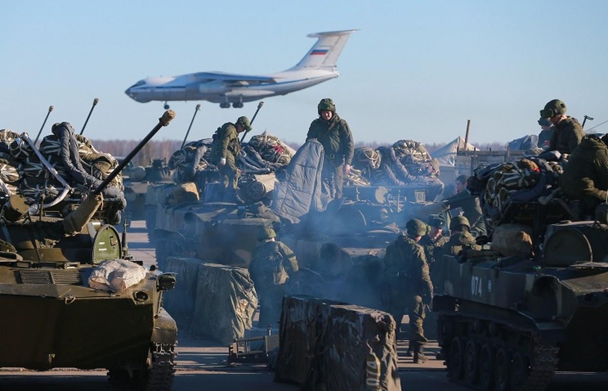 NATO ne so cuoc tap tran 2000 quan nhay du cung mot cho cua Nga-Hinh-14