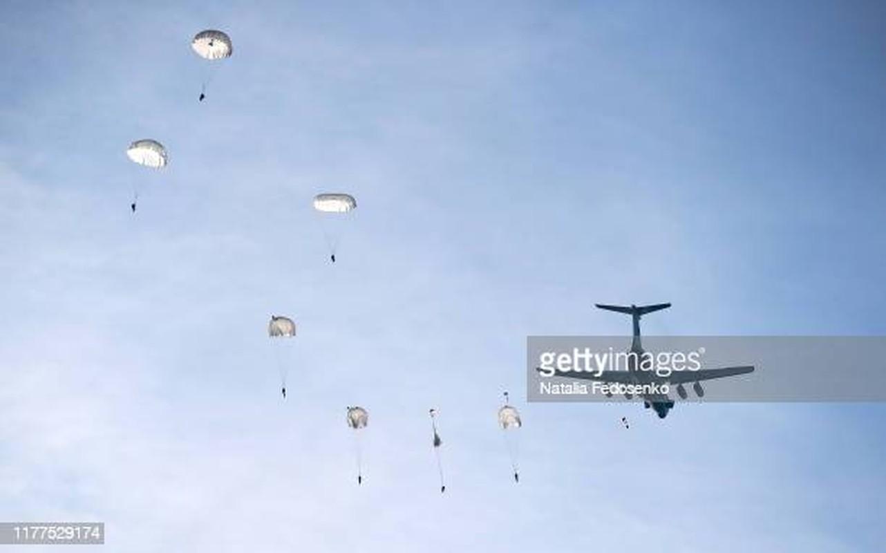 NATO ne so cuoc tap tran 2000 quan nhay du cung mot cho cua Nga-Hinh-3