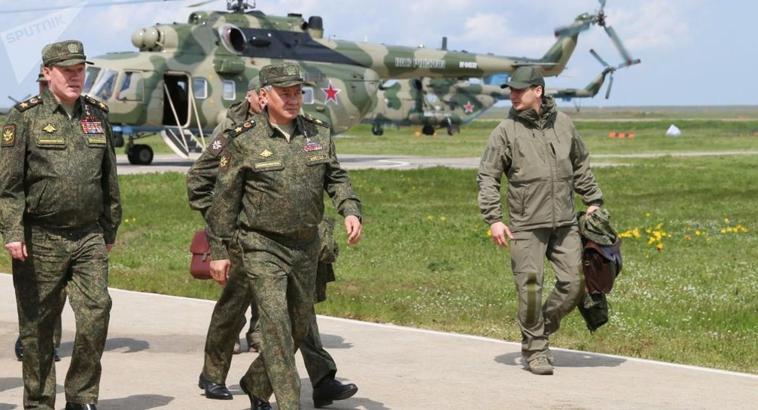 NATO ne so cuoc tap tran 2000 quan nhay du cung mot cho cua Nga-Hinh-9
