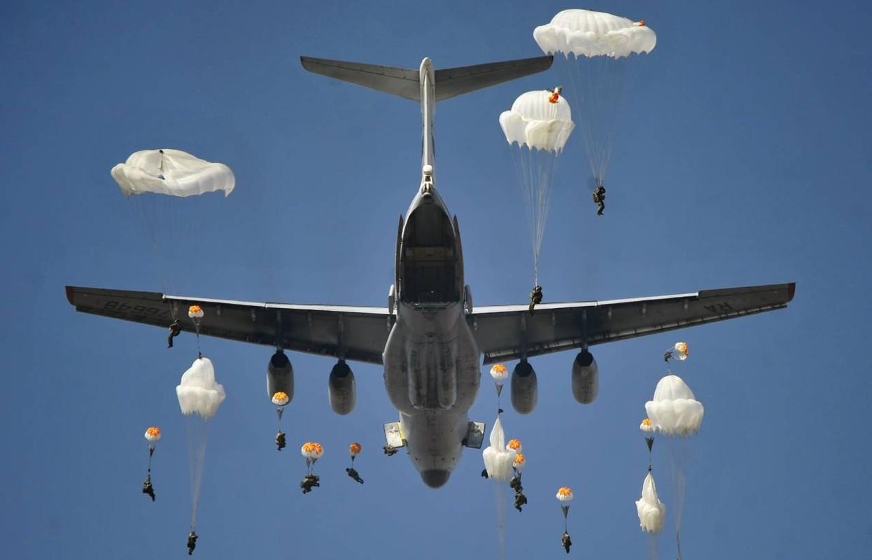 NATO ne so cuoc tap tran 2000 quan nhay du cung mot cho cua Nga