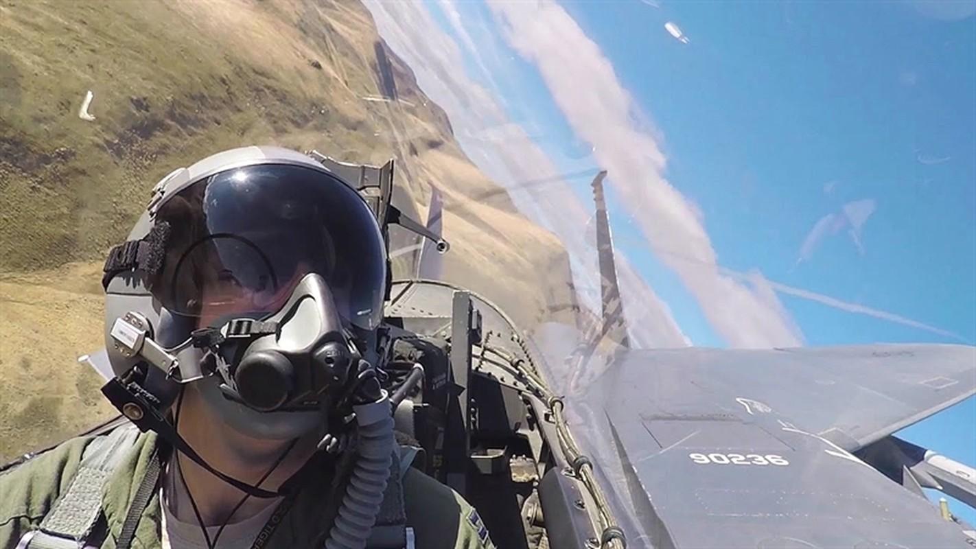 Ca Su-35, Su-30 Nga va J-16 Trung Quoc deu phai chao thua F-15EX My (P2)-Hinh-12